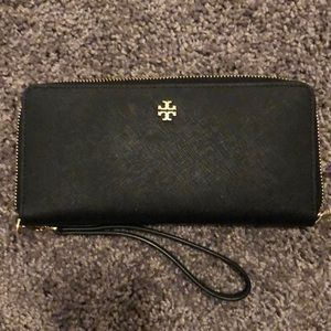 Tory Burch barely used clutch wallet black
